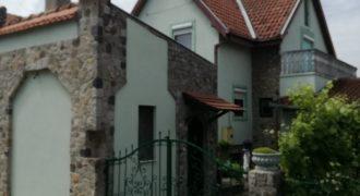 Kuća, Zeleno Polje