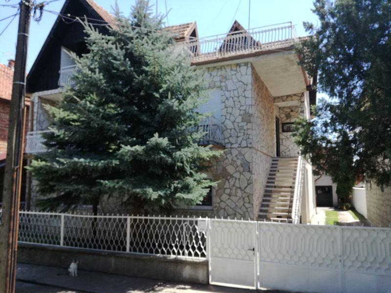 Kuća, Zeleno Polje, spratna